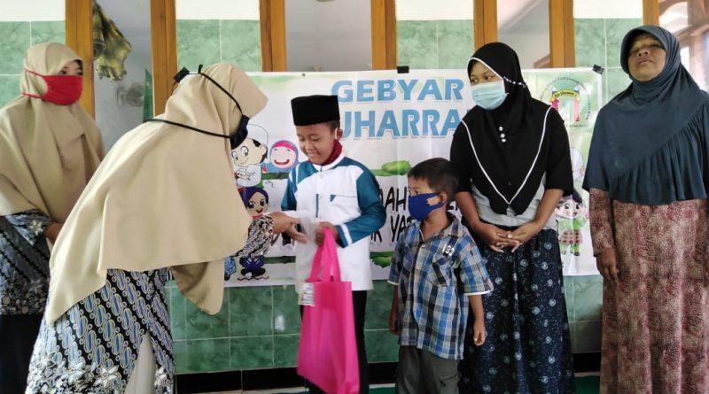 RA Usamah 2 Santuni Anak Yatim dan Kaum Dhuafa