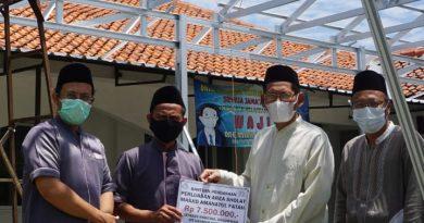 YRU Serahkan Bantuan 7,5 Juta Untuk Masjid Amanatul Fatah