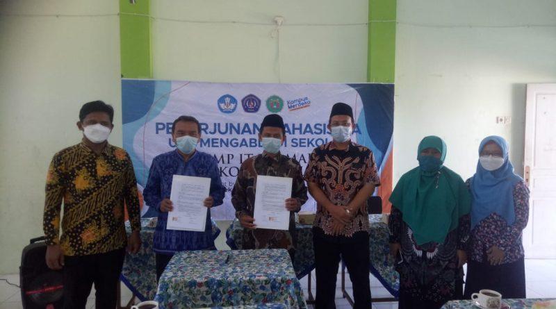 Penandatangan MOU Penerjunanan Mahasiswa UPS TEGAL  di SMP IT USAMAH Kota Tegal